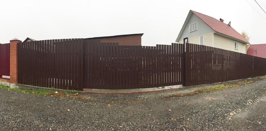 Купить забор из металлического штакетника