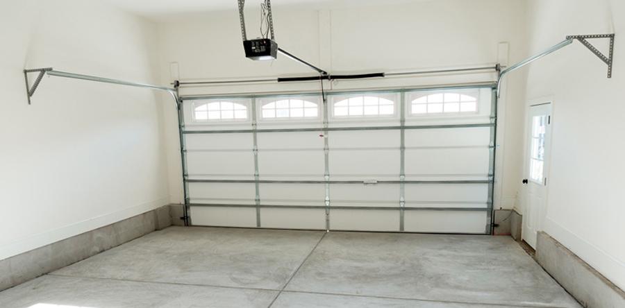 Установка подъемных гаражных ворот