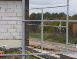 Монолитно-ленточный фундамент с металлическими столбами